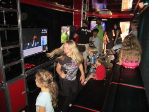 Girls or boys, they all love Galaxy Game Truck!